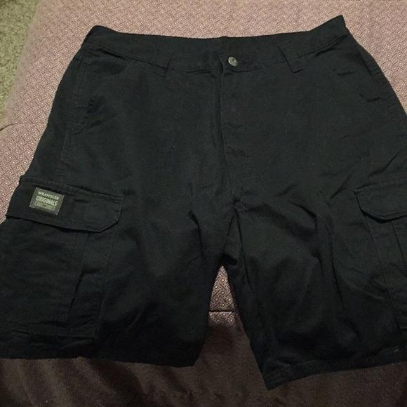 2ddbb06847 Wrangler Shorts   Black Cargo   Poshmark